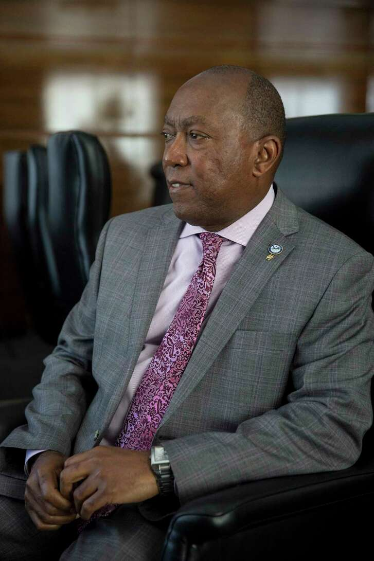 Houston Mayor Sylvester Turner in his office on Feb. 15, 2017. (Ilana Panich-Linsman/The New York Times)