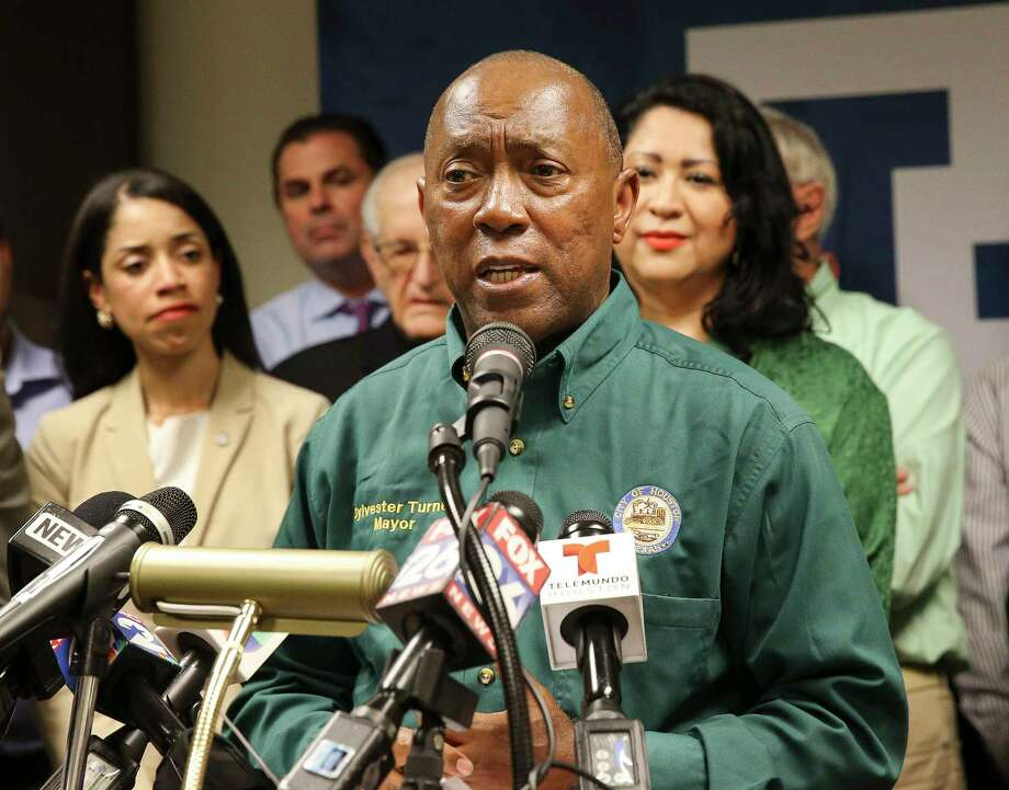 Houston Mayor Sylvester Turner, second left, joins Houston Hispanic Chamber of Commerce, Houston Fire Chief Samuel Pe–a, lawmakers and religious leaders to condemn the Trump administration's decision to end the Deferred Action for Childhood Arrivals during a press conference Tuesday, Sept. 5, 2017, in Houston. ( Yi-Chin Lee / Houston Chronicle ) Photo: Yi-Chin Lee, Staff / © 2017  Houston Chronicle