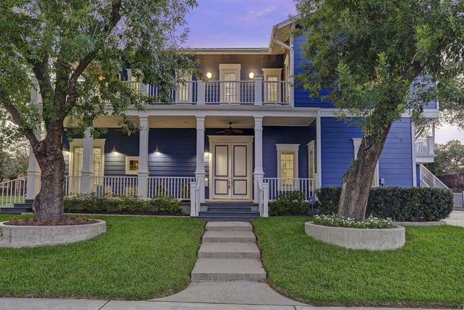 "Stars from the the TLC show ""The Little Couple"" have listed their Houston home for $1.225 million. Dr. Jennifer Arnold and Bill Klein's home reportedly did not sustain water damage from Hurricane Harvey. Photo: Realtor.com"