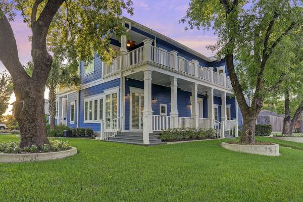 """Bill Klein and wife Jennifer Arnold, known from TLC's """"The Little Couple,"""" are selling their Braeswood home following their move from Houston to Florida in the summer of 2017."""