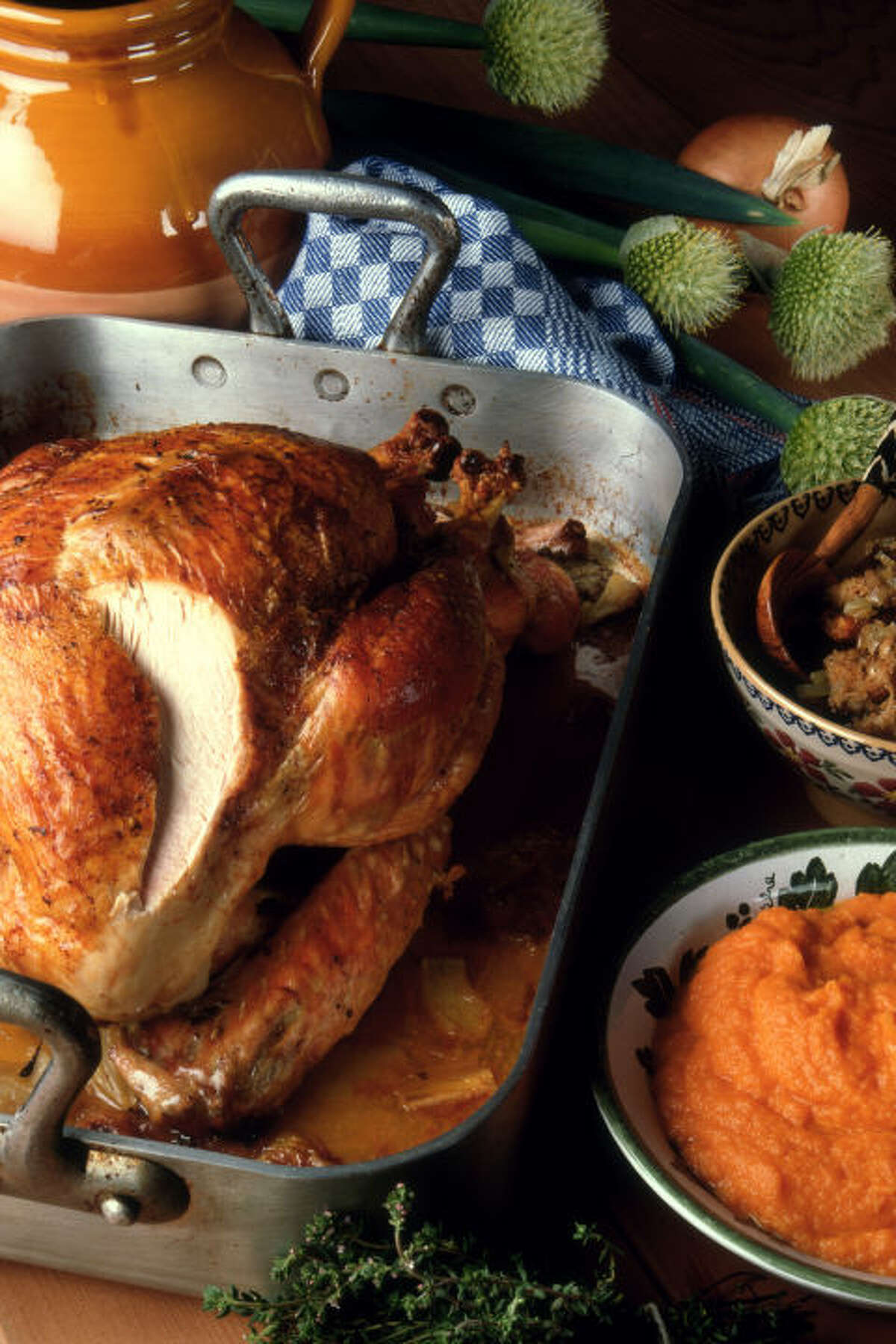 Make Thanksgiving dinner together: It's a huge undertaking, no doubt, when you consider the turkey, appetizers, side dishes, desserts and the tablescape. But doing it together - with a bangin' Spotify playlist - will make it feel like a party. (Plus, it's a sneaky way to pass on all your tricks so she can take the reins next year!) The best holiday gifts for 2017 »