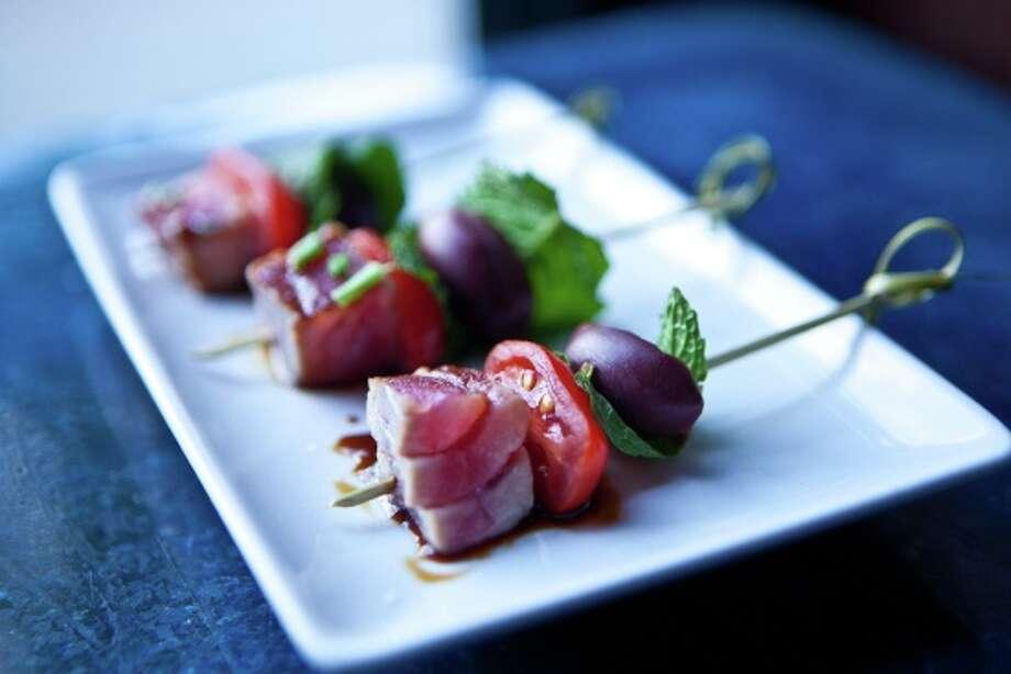 116 Crown Cuisine: Mediterranean   Deal: Sun-F Dinner Ninth Square   203-777-3116 Photo: Ctbites
