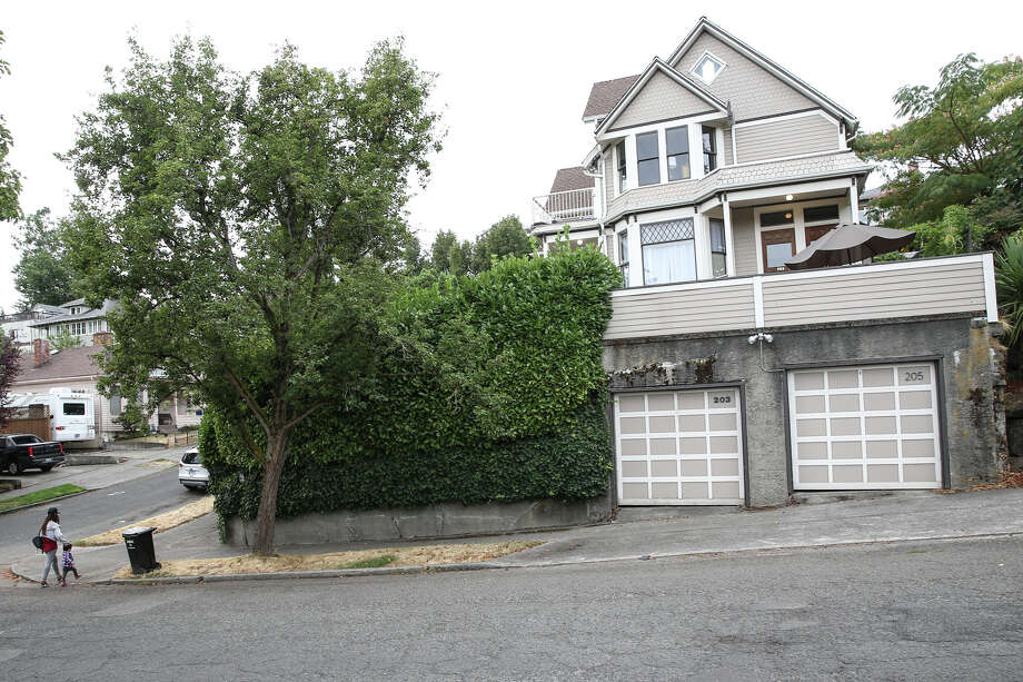 Linda's home at 203 31st Avenue as seen Wednesday, Sept. 13, 2017, almost 25 years to the day after the movie was released. Photo: GRANT HINDSLEY, SEATTLEPI.COM / SEATTLEPI.COM