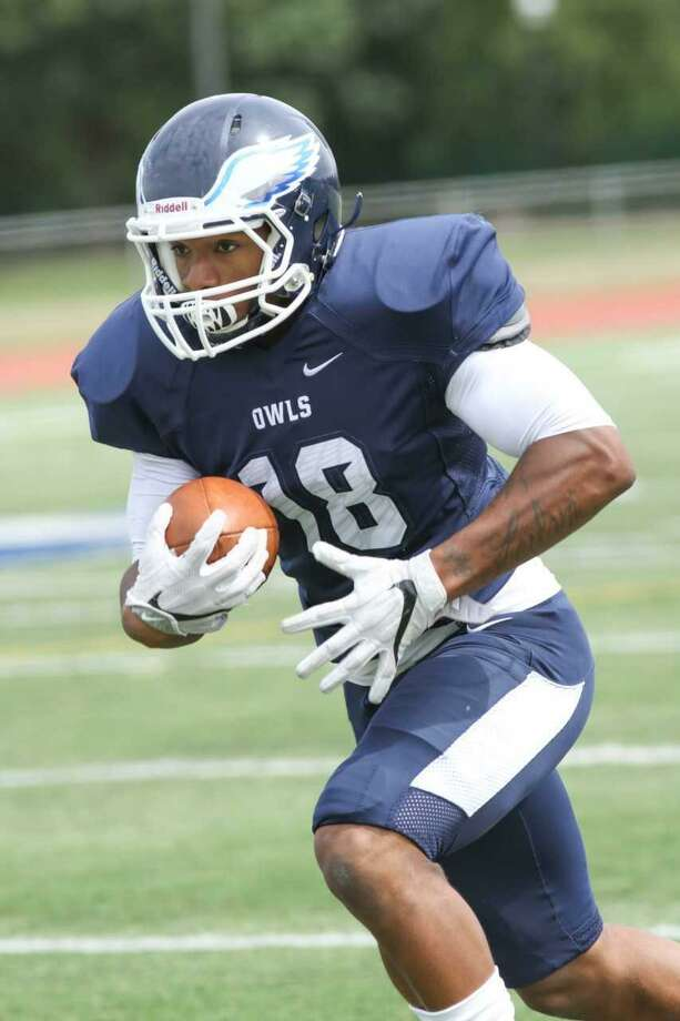 Stratford's Zhyaire Fernandes, a Bunnell graduate, has caught three touchdown passes in his first two games. Photo: Contributed Photo / Southern Connecticut State