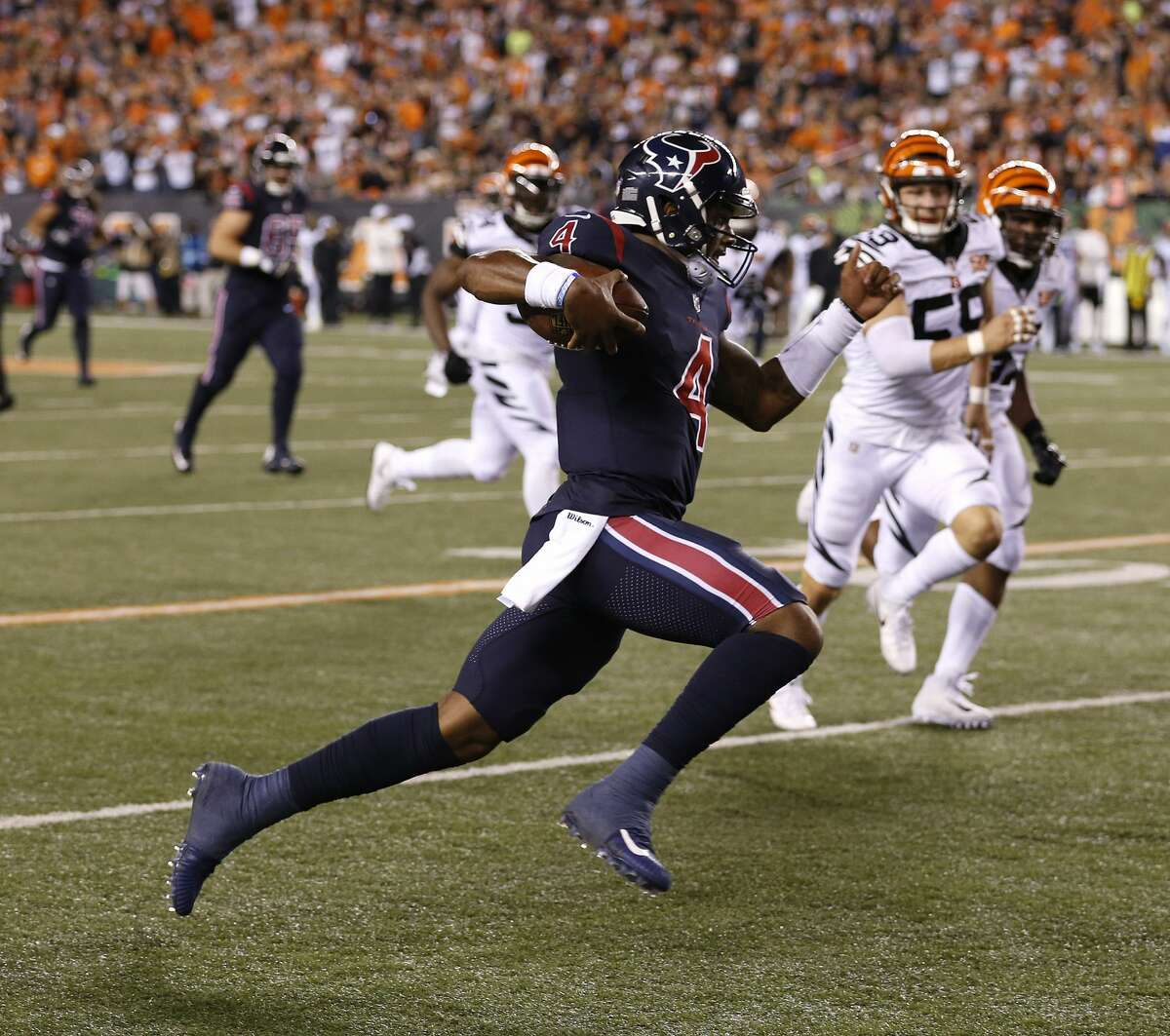 Deshaun Watson's 5 best plays during his rookie quarterback season with the Texans Sept. 9: vs. Cincinnati, Paul Brown Stadium Texans 13, Bengals 9 In the second game of the season and Watson's first start, the score was 3-3 in the second quarter. On third-and-15, Watson ran 49 yards for a touchdown, running between and around defenders on national television, giving the Texans a 10-3 lead.