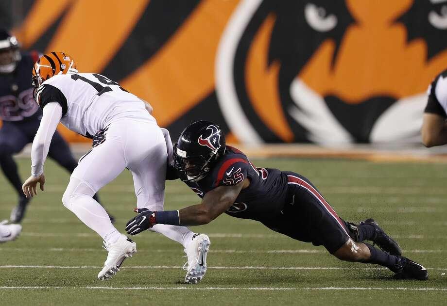 Houston Texans inside linebacker Benardrick McKinney (55) brings down Cincinnati Bengals quarterback Andy Dalton (14) during the foiurth quarter of an NFL football game at Paul Brown Stadium on Thursday, Sept. 14, 2017, in Cincinnati. ( Brett Coomer / Houston Chronicle ) Photo: Brett Coomer/Houston Chronicle