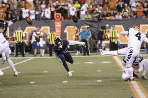 Cincinnati Bengals kicker Randy Bullock (4) kicks a 30-yard field goal during the third quarter of an NFL football game at Paul Brown Stadium on Thursday, Sept. 14, 2017, in Cincinnati. ( Brett Coomer / Houston Chronicle )