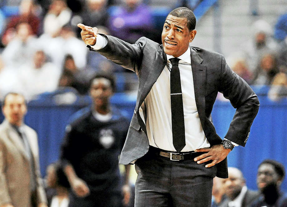 Connecticut head coach Kevin Ollie gestures toward an official in the second half of an NCAA college basketball game against Houston, Wednesday, Dec. 28, 2016, in Hartford, Conn. (AP Photo/Jessica Hill) / AP2016