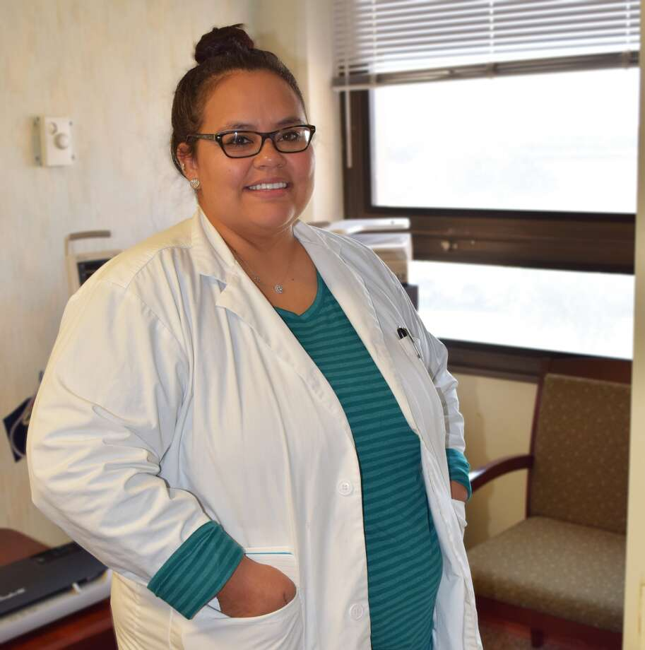 Covenant Health Plainview welcomes new Family Nurse Practitioner LeeAnna Wheeler to Plainview. Wheeler will work at Covenant Healthcare Center of Plainview with Dr. David Wright. A Lubbock native, Wheeler has worked as an ICU nurse at UMC since 2008. Wheeler earned her Practitioner degree from West Texas A&M University in 2016.