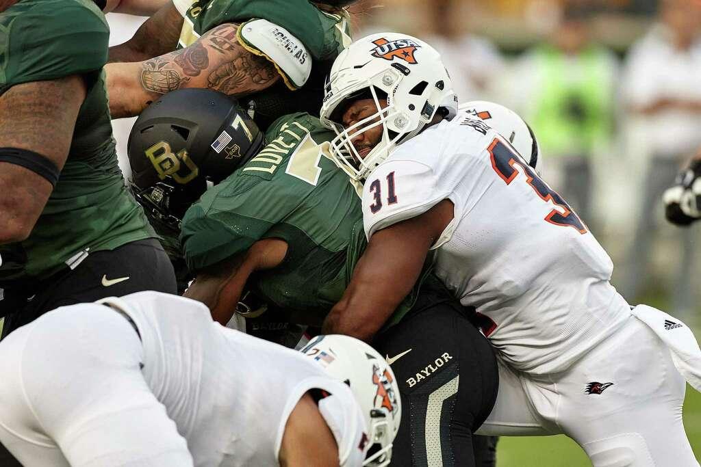 Linebacker La'Kel Bass plays a tackle during UTSA's 17-10 win at Baylor