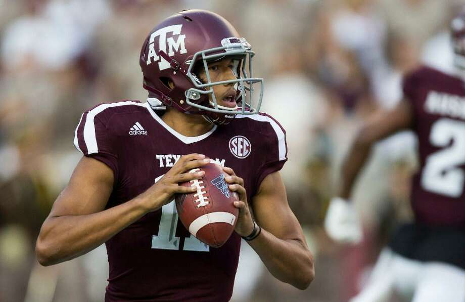 Texas A&M quarterback Kellen Mond (11) looks to pass against Nicholls State during the first quarter of an NCAA college football game Saturday, Sept. 9, 2017, in College Station, Texas. Photo: Sam Craft /AP Photo