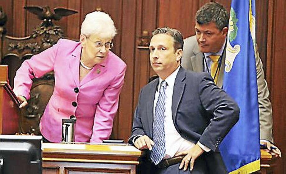 Lt. Gov. Nancy Wyman confers with Senate Majority Leader Bob Duff. Photo: Christine Stuart / CTNewsJunkie