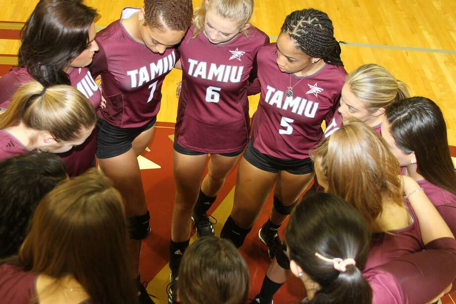 TAMIU hosts its annual Dig Pink game to raise breast cancer awareness at 7:30 p.m. Thursday against St. Edward's. Photo: Courtesy Of TAMIU Athletics, File
