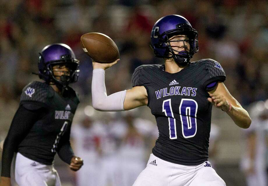 Willis quarterback Ty Backmann (10) drops back to pass during the fourth quarter of a non-district high school football game at Berton A. Yates Stadium, Friday, Sept. 15, 2017, in Willis. Photo: Jason Fochtman, Staff Photographer / © 2017 Houston Chronicle