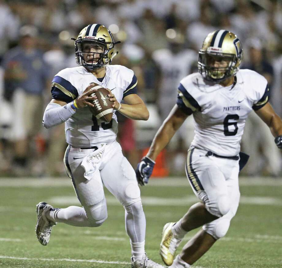 Panthers quarterback Roel Sanchez stays behind a blocker looking for a receiver as Steele hosts O'Connor at Lehnhoff Stadium on Sept. 15. Photo: Tom Reel /San Antonio Express-News / 2017 SAN ANTONIO EXPRESS-NEWS
