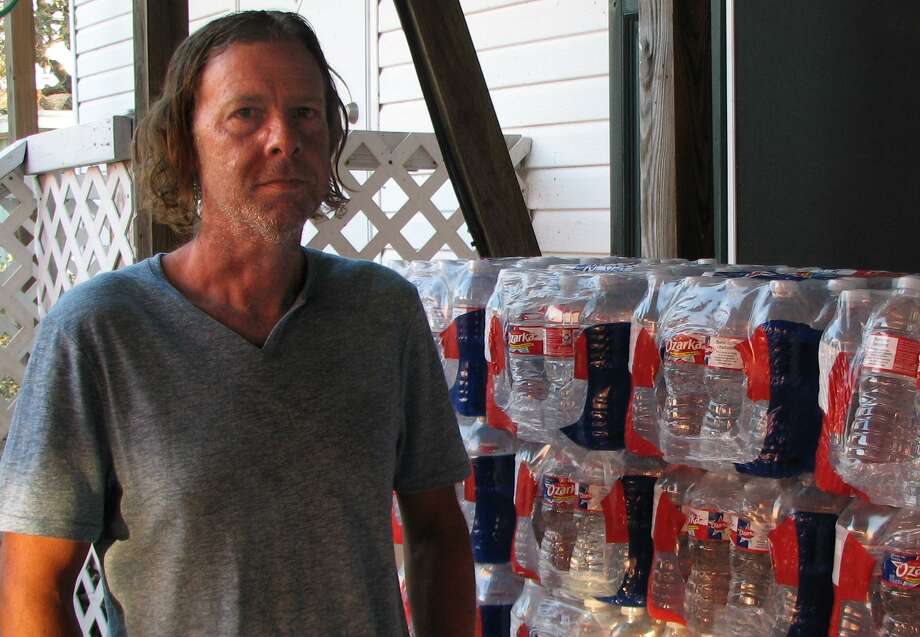 Nathan Bludworth rode out Hurricane Harvey in a trailer just 100 yards or so from Aransas Bay. Photo: Sig Christenson /San Antonio Express-News / San Antonio Express-News