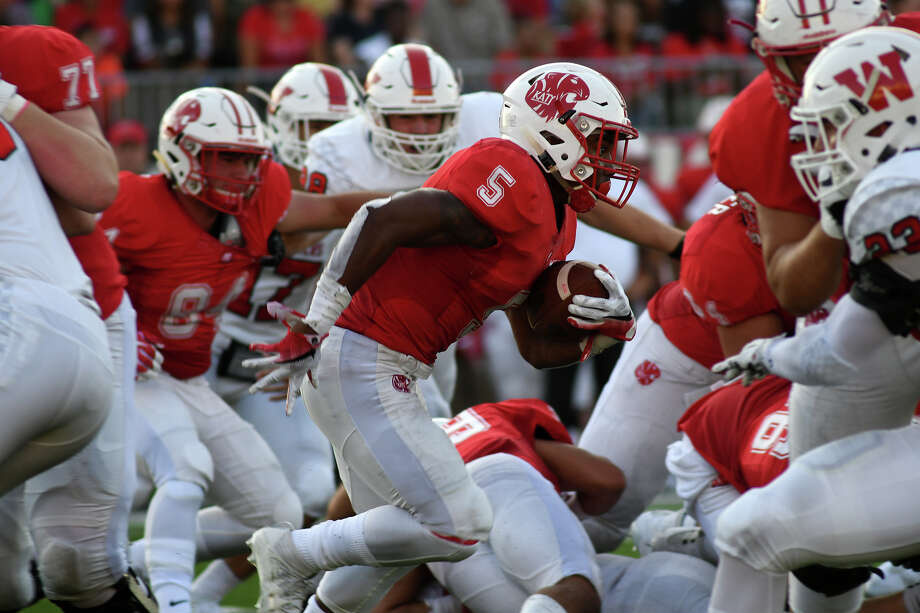 HOUSTON CHRONICLE HIGH SCHOOL FOOTBALL RANKINGSClass 6A1. Katy 1-0 (137 points, 5 first-place votes) Photo: Jerry Baker/For The Chronicle