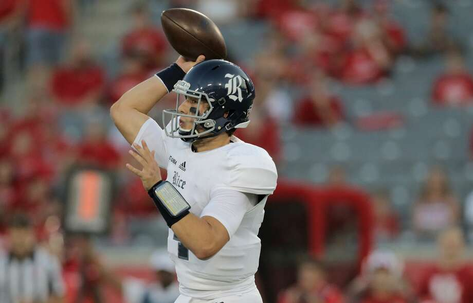 Rice Owls quarterback Sam Glaesmann (4) throws the ball in the first inning against Houston Cougars at TDECU Stadium on Saturday, Sept. 16, 2017, in Houston. ( Elizabeth Conley / Houston Chronicle ) Photo: Elizabeth Conley/Houston Chronicle