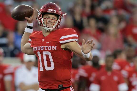Houston Cougars quarterback Kyle Allen (10) throws the ball in the first inning against Rice Owls  at TDECU Stadium on Saturday, Sept. 16, 2017, in Houston. ( Elizabeth Conley / Houston Chronicle )