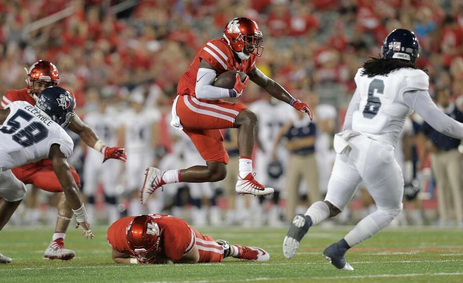 UH FOOTBALL'S WEEKLY STOCK REPORTSTOCK UPJohn LedaySince moving into the role, Leday is averaging 50.7 yards on three kickoff returns. That would lead the nation if he had enough returns to qualify. Leday is also third on the team with 17 receptions. Photo: Elizabeth Conley/Houston Chronicle