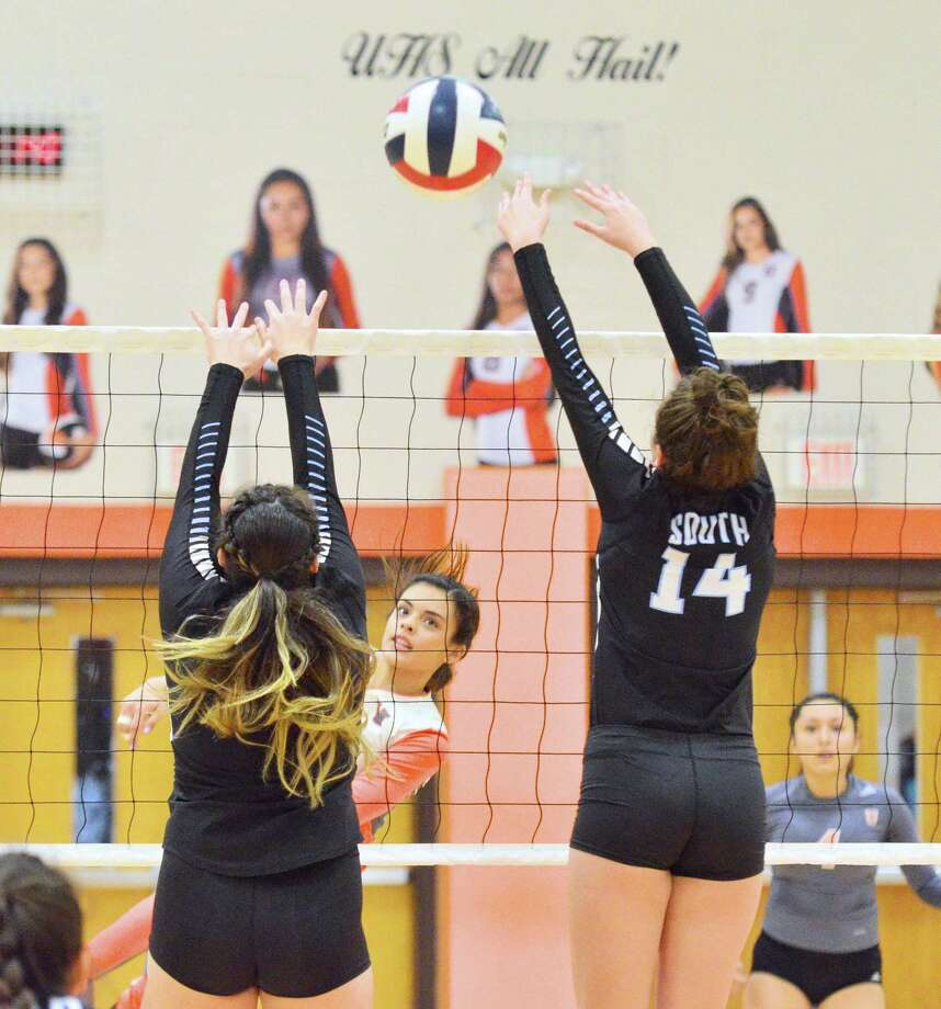 Gabriela Canavati had eight kills Saturday in United's 3-0 (25-17, 25-19, 25-15) sweep of United South. Photo: Francisco Vera /Laredo Morning Times