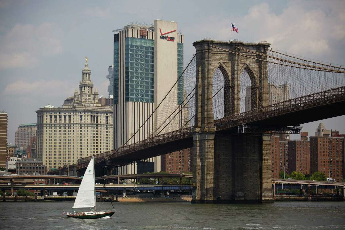 8. Brooklyn Bridge - New York City, N.Y. Another iconic part of any visit to New York City includes a walk over the Brooklyn Bridge, which has evolved to serve as the main thoroughfare between Brooklyn and Manhattan (subway notwithstanding).