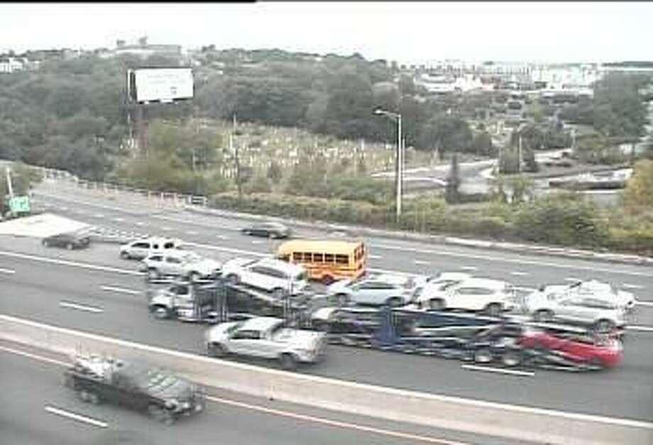 Accident Involving Bus Closes Lane On I 95 Newstimes