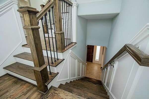 Oak Forest East Area:  2104 Oatfield     List price : $334,998   Square feet : 2,112