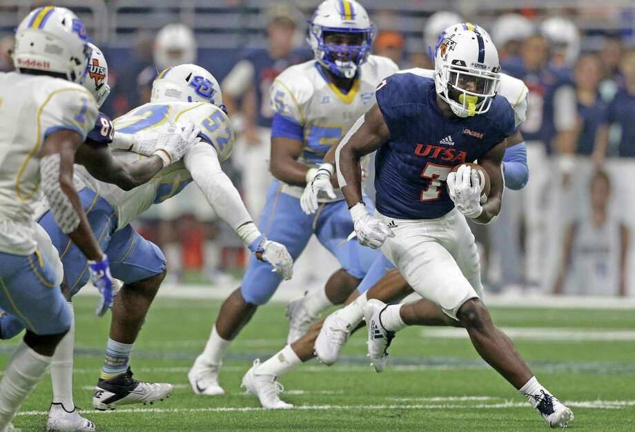 Runner wide receiver Kerry Thomas, shown in a file photo, returned to play against UTEP last week after missing two games with an injury. Photo: Tom Reel /San Antonio Express-News / 2017 SAN ANTONIO EXPRESS-NEWS