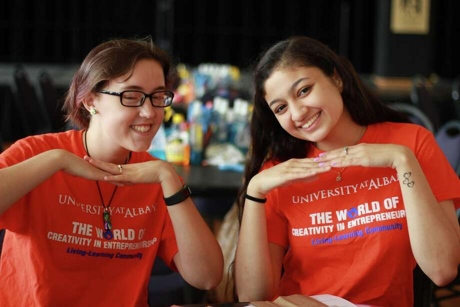 Were you seen volunteering with UAlbany's Living-Learning Communities on Saturday, Sept. 16 and Sunday, Sept. 17? Photo: Dalia Yan, Bussy Odusanya, Aleksandra Nefedova