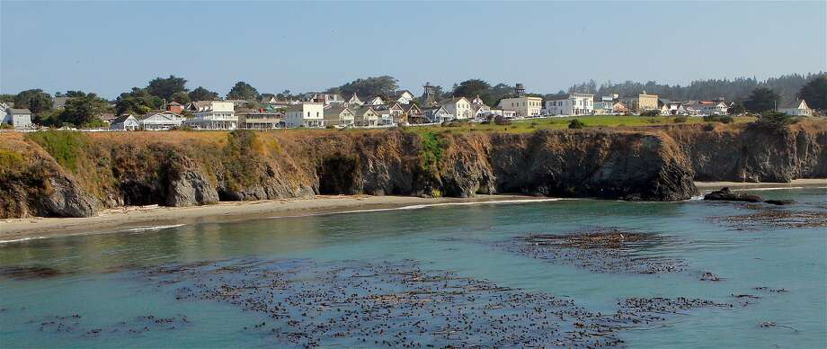 From the Mendocino Head, you can get a panoramic view of Mendocino, Portuguese Beach and the mouth of the bay and Big River Estuary. Photo: Tom Stienstra, Tom Stienstra / The Chronicle