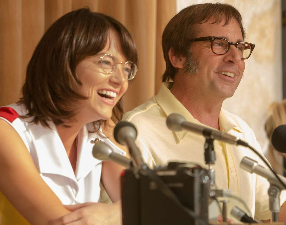 """Emma Stone as """"Billie Jean King"""" and Steve Carell as """"Bobby Riggs"""" in BATTLE OF THE SEXES."""