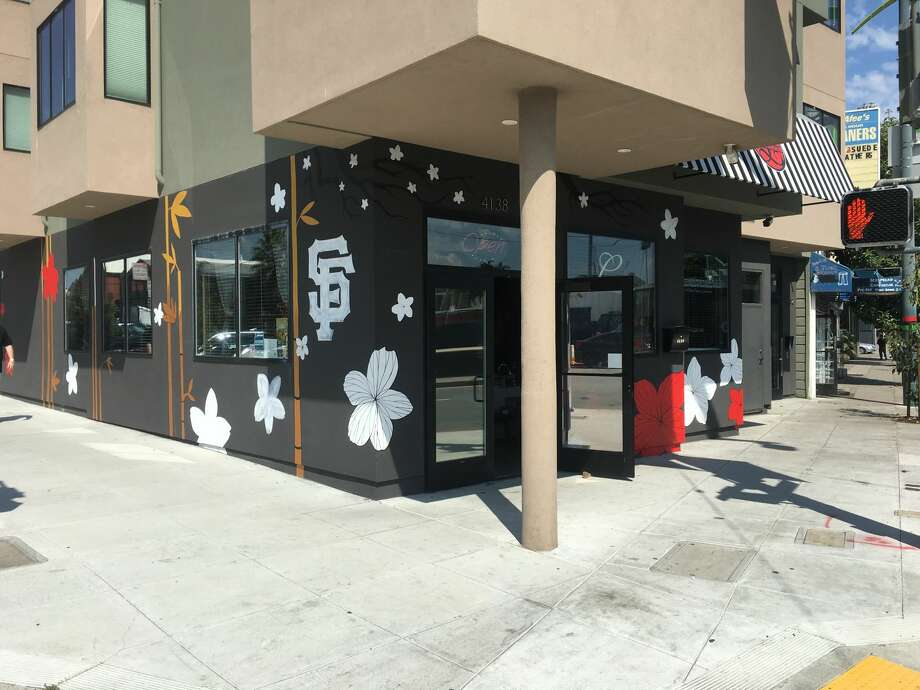 Luxurious Nail Boutique and Spa commissioned a mural for its storefront, but after complaints from the Housing Owners' Association, the nearly finished project has come to a halt. Photo: Meaghan M. Mitchell/Hoodline