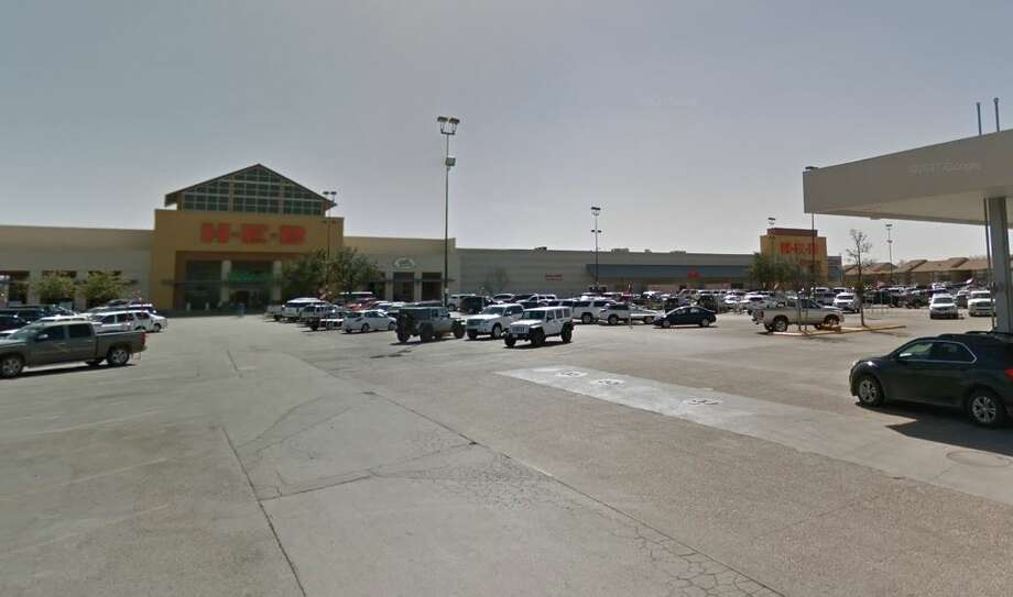 H-E-B wants to add curbside pickup to its Wadley Avenue location, and the Planning & Zoning Commission gave the grocer the go-ahead to move onto its next step with the city. Photo: Google Maps