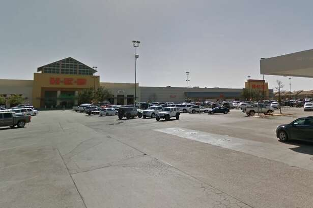 H-E-B wants to add curbside pickup to its Wadley Avenue location, and the Planning & Zoning Commission gave the grocer the go-ahead to move onto its next step with the city.