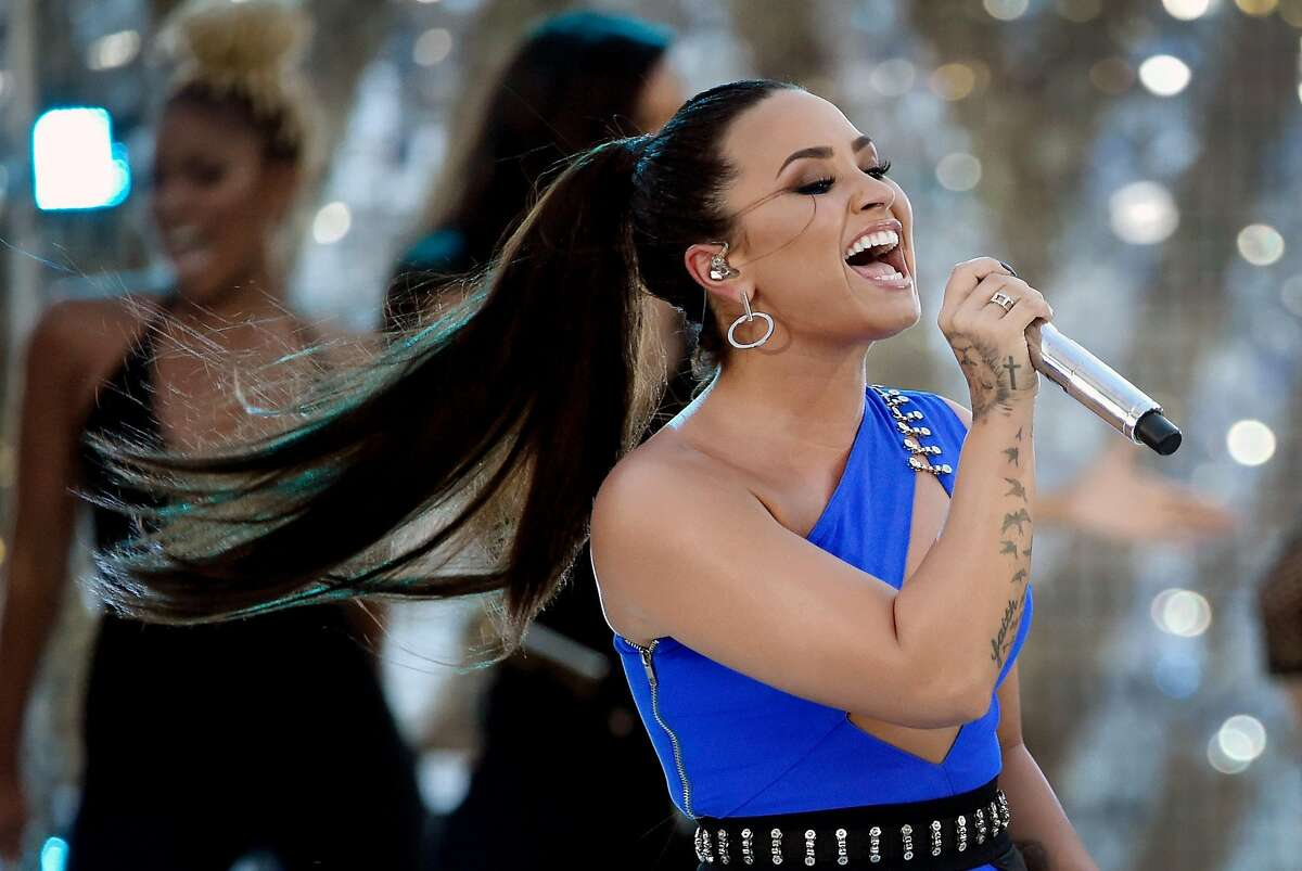 LAS VEGAS, NV - AUGUST 24: Singer Demi Lovato performs during a pre-taping for the 2017 MTV Video Music Awards at the Palms Casino Resort on August 24, 2017 in Las Vegas, Nevada. (Photo by David Becker/Getty Images for MTV)