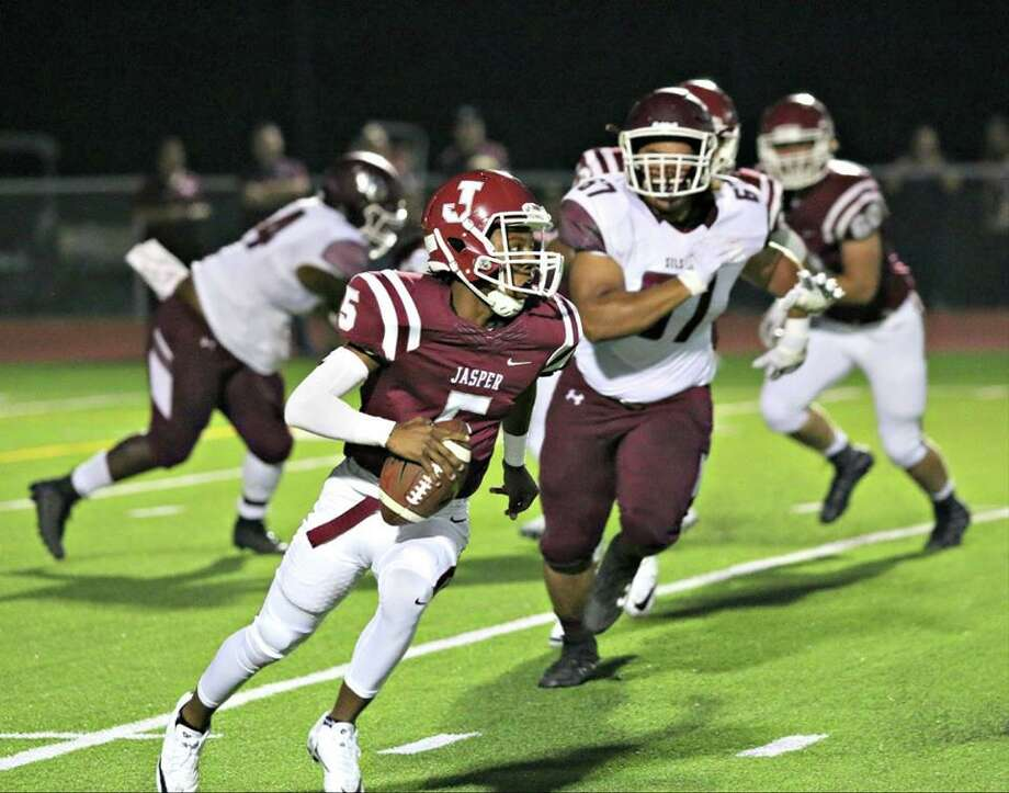 Jasper quarterback Leontay Sells. Photo: Jasper Newsboy