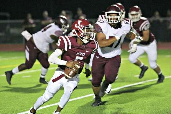 Jasper quarterback Leontay Sells.