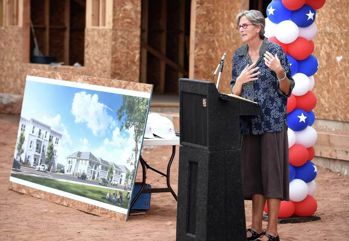 Alison Cunningham, CEO of Columbus House, speaks at a construction celebration ceremony for Hamden Specialty Housing on September 18, 2017. Arnold Gold / Hearst Connecticut Media