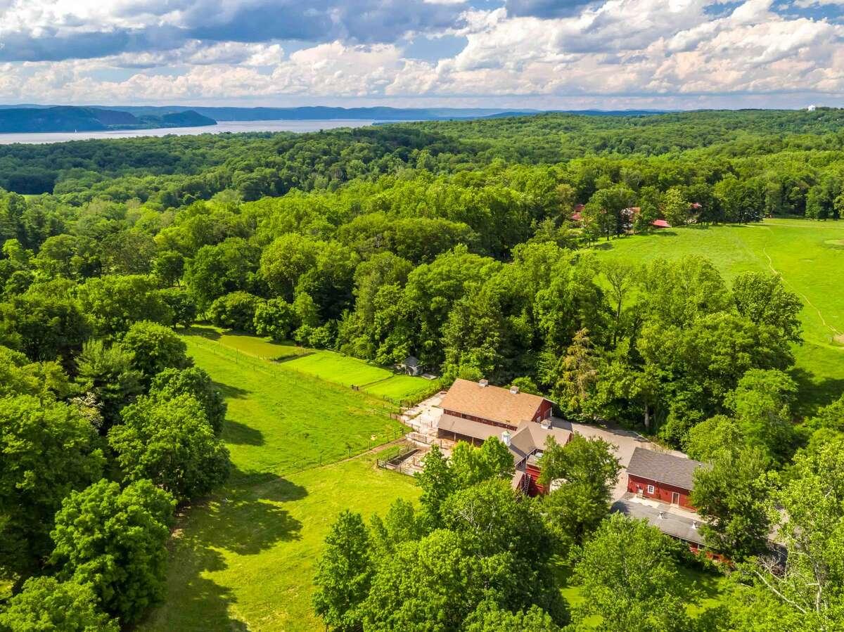 180 Bedford Rd., Sleepy Hollow, NY 10591 The former home of David Rockefeller, grandson oil magnate John D. Rockefeller, is on the market for $22M. toptenrealestatedeals.com