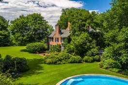 180 Bedford Rd., Sleepy Hollow, NY 10591   The former home of David Rockefeller, grandson oil magnate John D. Rockefeller, is on the market for $22M.   toptenrealestatedeals.com
