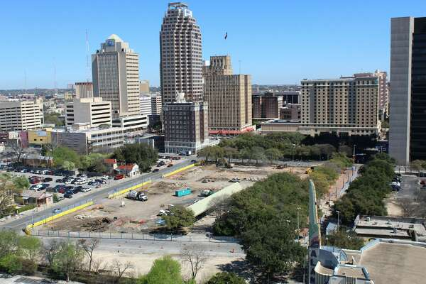 Feb. 22, 2017 @ 1:05 p.m.     Time-lapse photos  from the OxBlue Corp. show construction progress for the Frost Bank Tower in downtown San Antonio.