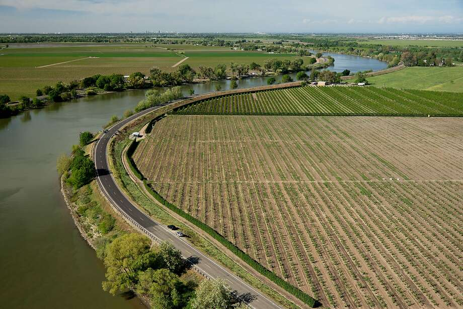 California Farming District Rejects Water Tunnel Plan