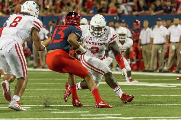 UH defensive lineman Reggie Chevis, a graduate transfer from Texas A&, in action against Arizona.