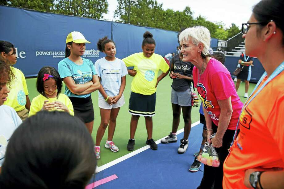 Judy Murray teaches kids as part of her Miss-Hits tennis clinic at the Yale University Tennis Center on Thursday in New Haven. Photo: Jared Wickerham/Connecticut Open  / ?2017 Jared Wickerham/Connecticut Open