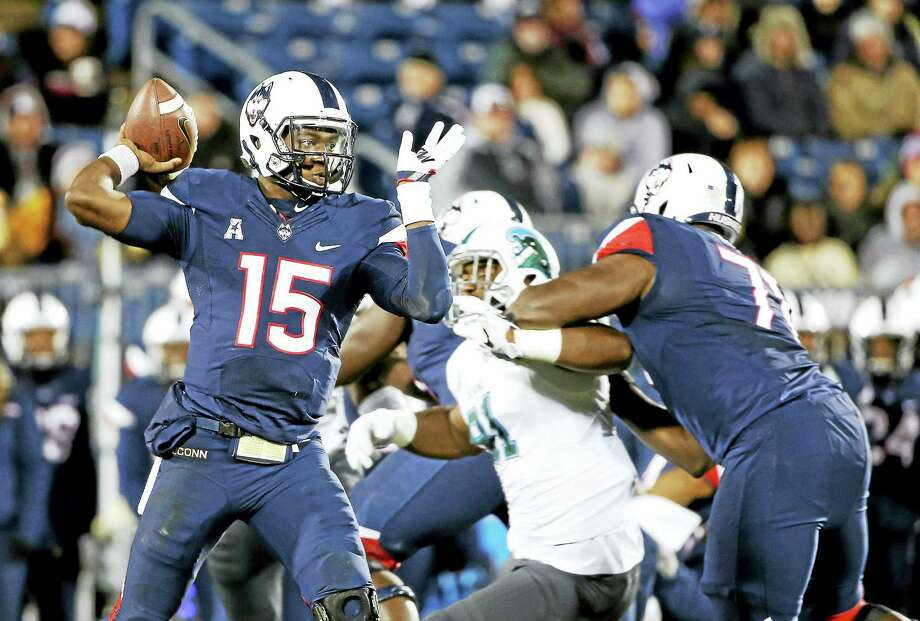 UConn quarterback Donovan Williams will be switching positions this season to wide receiver. Photo: The Associated Press File Photo  / FR158029 AP