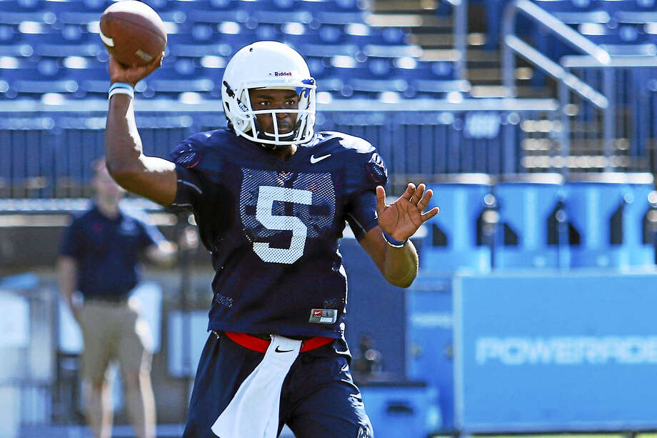 UConn quarterback David Pindell. Photo: Ian Bethune/The UConn Blog  / Ian Bethune
