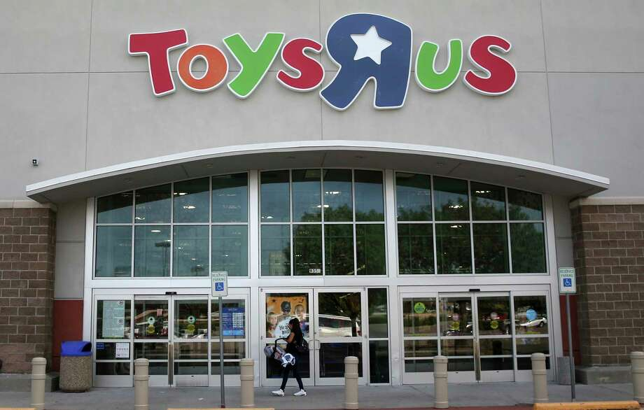 A customer walks into a Toys R Us store in Dallas, Tuesday, Sept. 19, 2017. Toys R Us has filed for Chapter 11 bankruptcy protection while continuing with normal business operations. (AP Photo/LM Otero) Photo: LM Otero, STF / Copyright 2017 The Associated Press. All rights reserved.