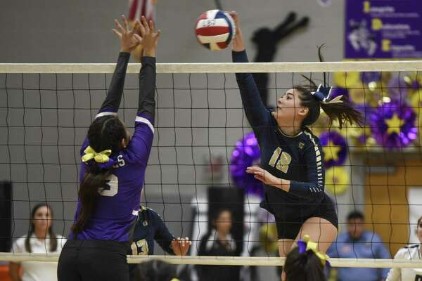 Alexander improved to 4-0 within District 29-6A with a 3-0 win over LBJ on Tuesday night.
