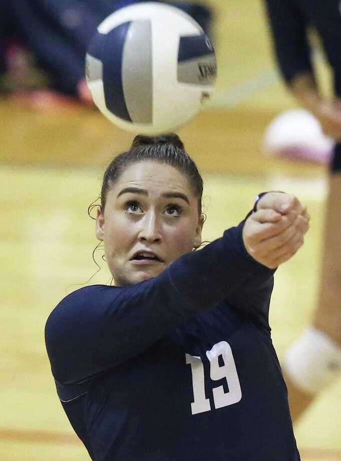 Smithson Valley's Lauren Kadilis came close to recording back-to-back triple-doubles this week. Photo: Tom Reel /San Antonio Express-News / 2017 SAN ANTONIO EXPRESS-NEWS